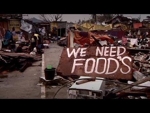 Philippines: le combat des rescapés pour survivre