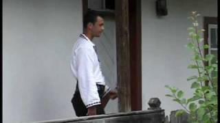 CETINA DIN SUCEAVA VIDEO 2006  La casuta cu cerdac