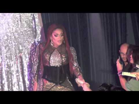 Mariah Balenciaga: Toyfriend @ Showgirls!