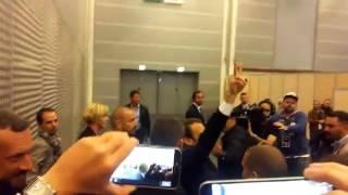 Будущий президент Франции Макрон благодарит своих сторонников