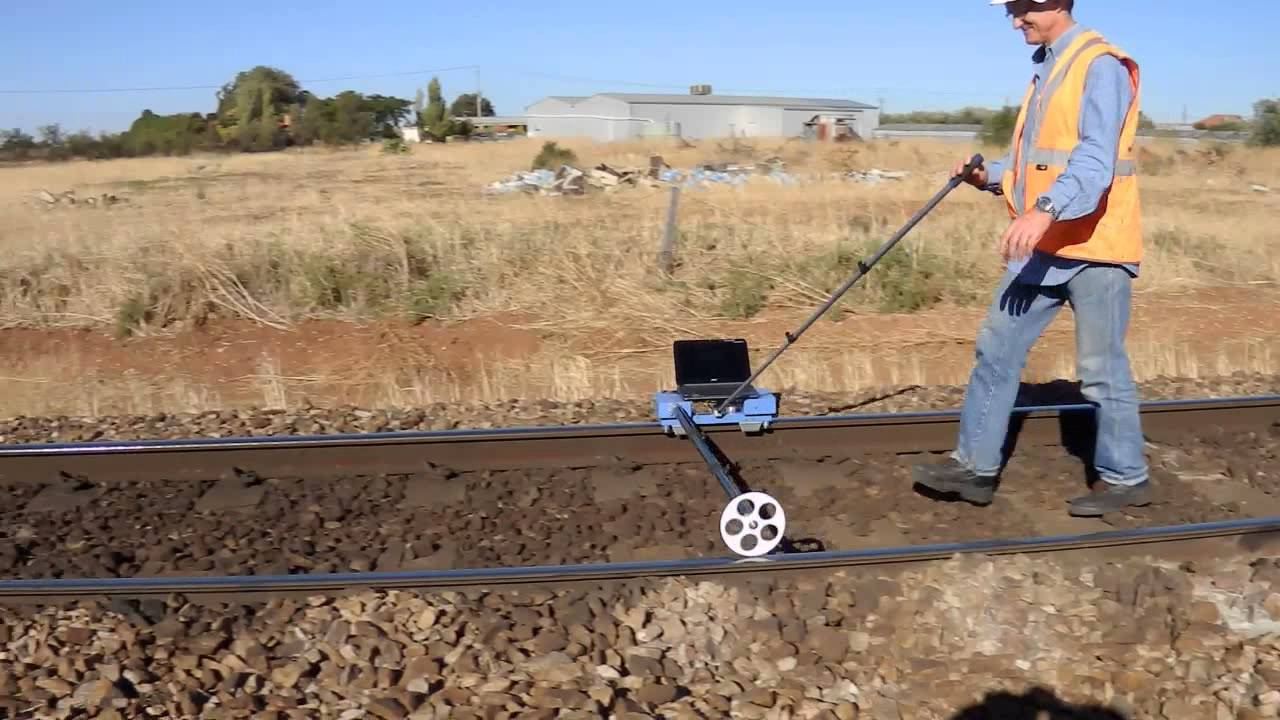 Track Measuring Device : Rail corrugation measurement with cat equipment on track
