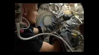 Oliver Koletzki - Gravity - - - Alexander Gerst - ISS