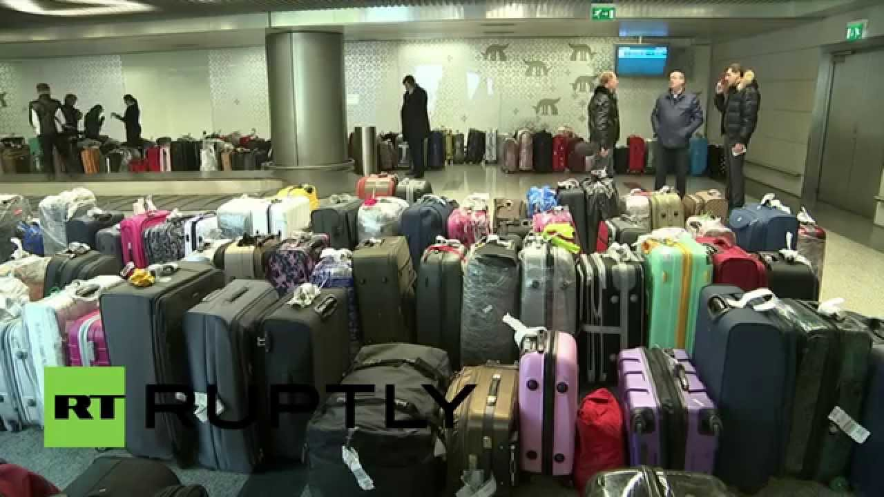 Russia: EMERCOM plane delivers luggage from Egypt to Vnukovo airport
