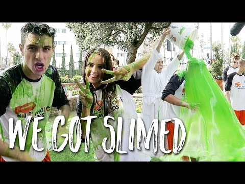 HE GOT SLIMED AT KIDS CHOICE AWARDS