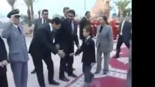 Repeat youtube video maroqui el jahel يتفاخر بالزطلة  ديال طبون امه