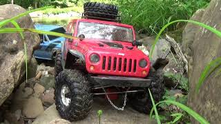 RC SCALE JEEP RUBICON AND SCOUTii DEEP IN THE RIVER ROCK CRAWLING