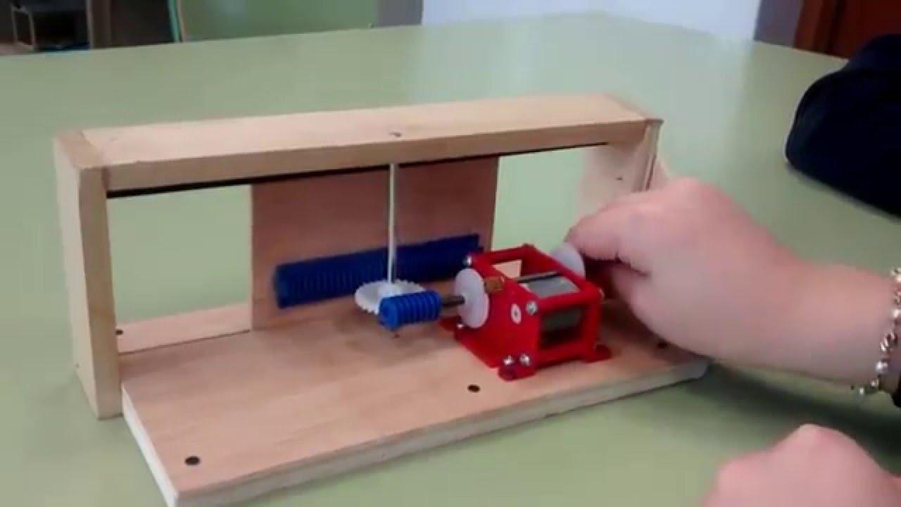 Mecanismo tornillo tuerca en puerta corrediza youtube - Mecanismo puerta garaje ...