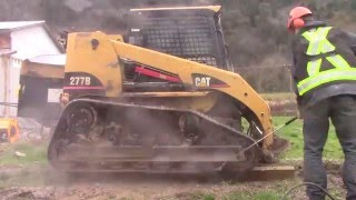 BW powerwashing, Langley - CAT 277B front end loader cleaning - CAT maintenance clean in Abbotsford