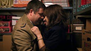 Stranger Things - Joyce & Bob Kiss Scene 4K