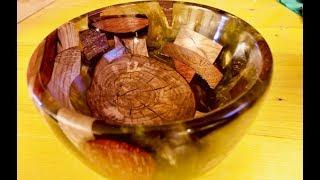Schale aus Epoxidharz und Holzresten