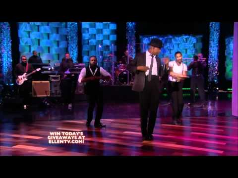 One in a Million - Ne-Yo (Live on Ellen DeGeneres 11-26-2010)