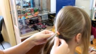 Прическа с валиком на длинные волосы