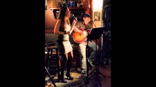 Laura Caciagli & Charlie Gibson - Live gig in Morrison's Irish Pub - Queenstown