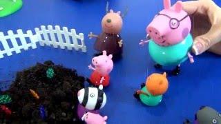 У Свинки Пеппы отменяются уроки. Пеппа с классом едит сажать деревья.