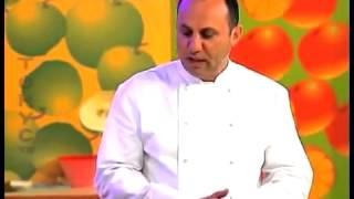 видео Вареная курица вкусный рецепт