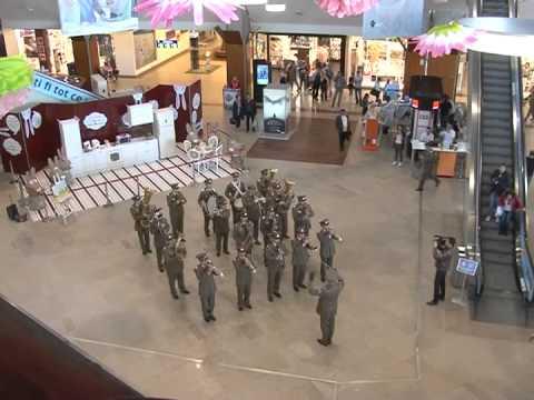 "Flash mob - 4th Infantry Division ""Gemina"" Military Band"