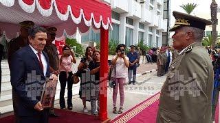وزير الدفاع يشرف على موكب تقليد الرتب والأوسمة لعدد من العسكريين