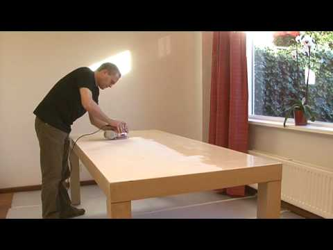 Houten Tafel Behandelen : Houten tafel verven rambo pantser lak hout interieur youtube