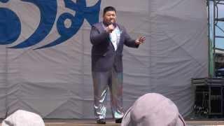 6月21日に羅臼漁港特設会場で行われた知床開きの大江裕歌謡ショーです。...