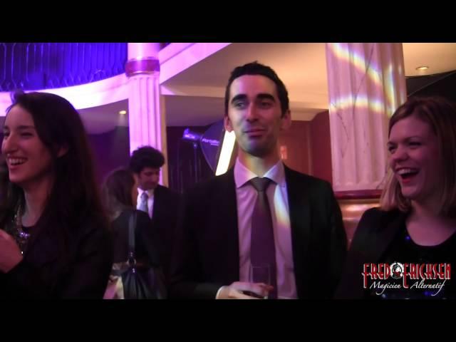 Magicien Ipad: Magie digitale avec un Ipad en soirée de gala