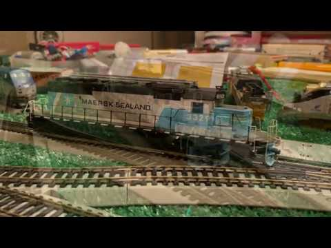 """Athearn HO Scale RTR NS SD40-2 3329 """"Maersk Sealand"""" Pulling Train H76 On My New Layout 4/7/20"""