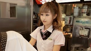 Beautiful Taiwanese McDonald's Employee Becomes An Internet Celebrity  | What's Trending Now