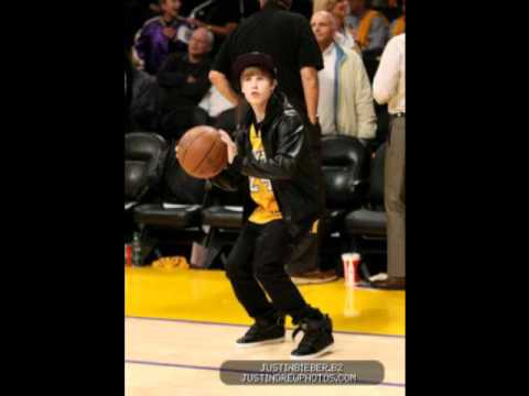 Justin Bieber Pants Fall Down And Pics In Lakers Game With Jaden
