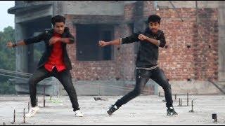Akh Lad Jaave Saari Raat Neend Na Aave Mainu Bada Tadpave Lyrics  Loveyatri Badshah Danc 2