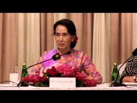 Aung San Suu Kyi Press Conference, Shangri-La Hotel, September 23, 2013
