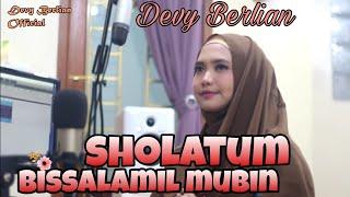 Sholatum Bissalamil Mubin - Habib Syech cover by Devy Berlian
