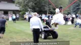 Прикол на свадьбе, крутая невеста в полёте....оригинальное бросание букета.) best bride in the world