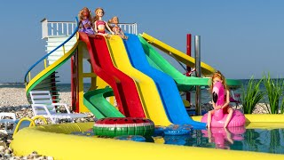Elsa and Anna swimming pool fun ~ Water Park,WATER SLIDE for barbie dolls First Person Shooter!