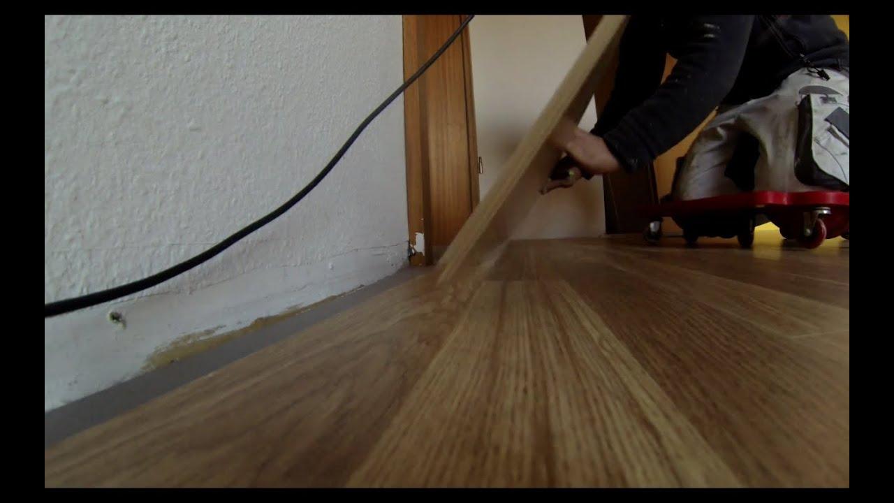 laminat verlegen ein paar tricks vom handwerker youtube. Black Bedroom Furniture Sets. Home Design Ideas