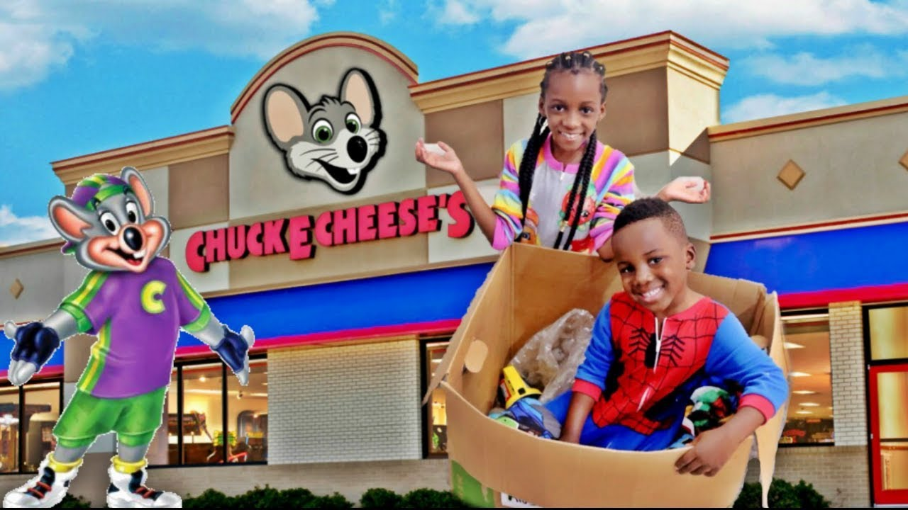 I MAILED OURSELVES TO CHUCK E CHEESE AND IT WORKED- Human