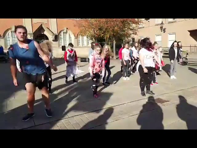 Dancing Shoes performing Thriller on the streets of Wrexham