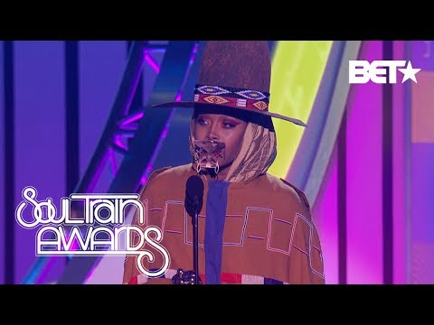 Erykah Badu Describes Her Journey Of Light, Greatness and Growth As She Accepts the Legend Award Mp3