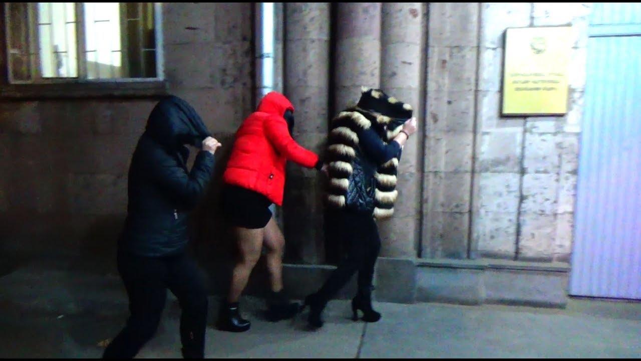 Տեսանյութ. Ինչպես են Երևանում խուճապահար փախչում,բերման ենթարկվում  պոռնկությամբ զբաղվող կանայք