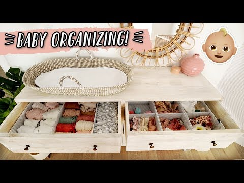 ORGANIZING THE BABY'S CLOSET & CLOTHES! thumbnail