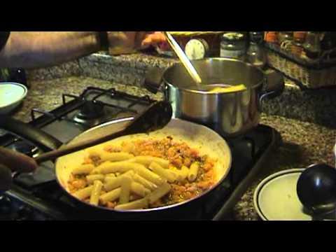 abbastanza Tortiglioni con zucca e salsiccia - YouTube NS97