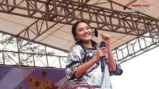 Download lagu Goyang Nasi Padang - Arlida Putri Om.ADELLA Live Darmayasa Banjarnegara