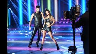 Lourdes Sánchez y Gabo Usandivaras sorprendieron con una Cumbia pop que tuvo hinchada
