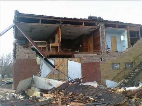 Early, Iowa Tornado War Zone