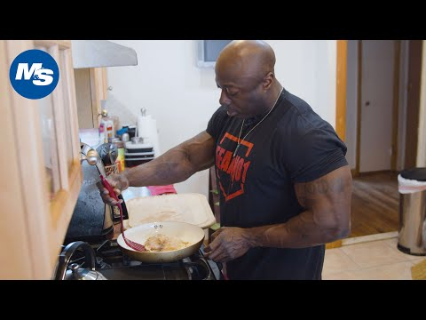 What Pro Bodybuilders Eat For Lunch | George Peterson's Lean Lunch Meal