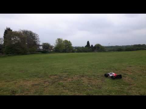 HPI Trophy Truggy Flux Brushless On The Field Also Pulling Wheelies ( 1080p Full HD )