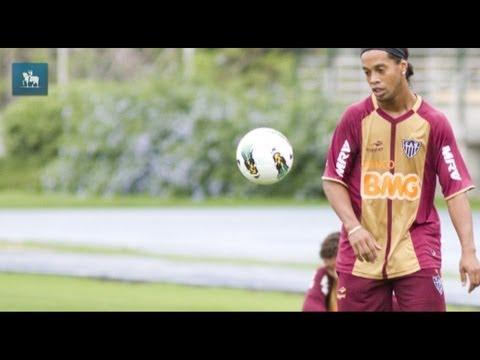 Felipão resgata Kaká e deixa Ronaldinho Gaúcho de fora na convocação da seleção