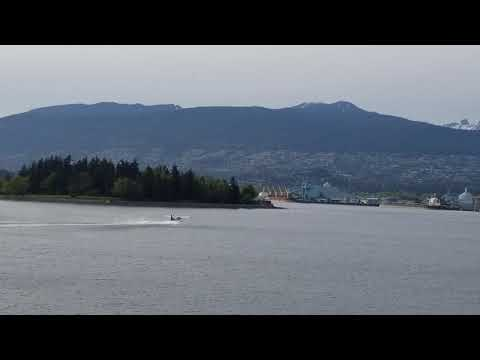sea-plane-takeoff-from-vancouver-harbour