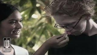 Download Chrisye - Seperti Yang Kau Minta (Official Music Video)