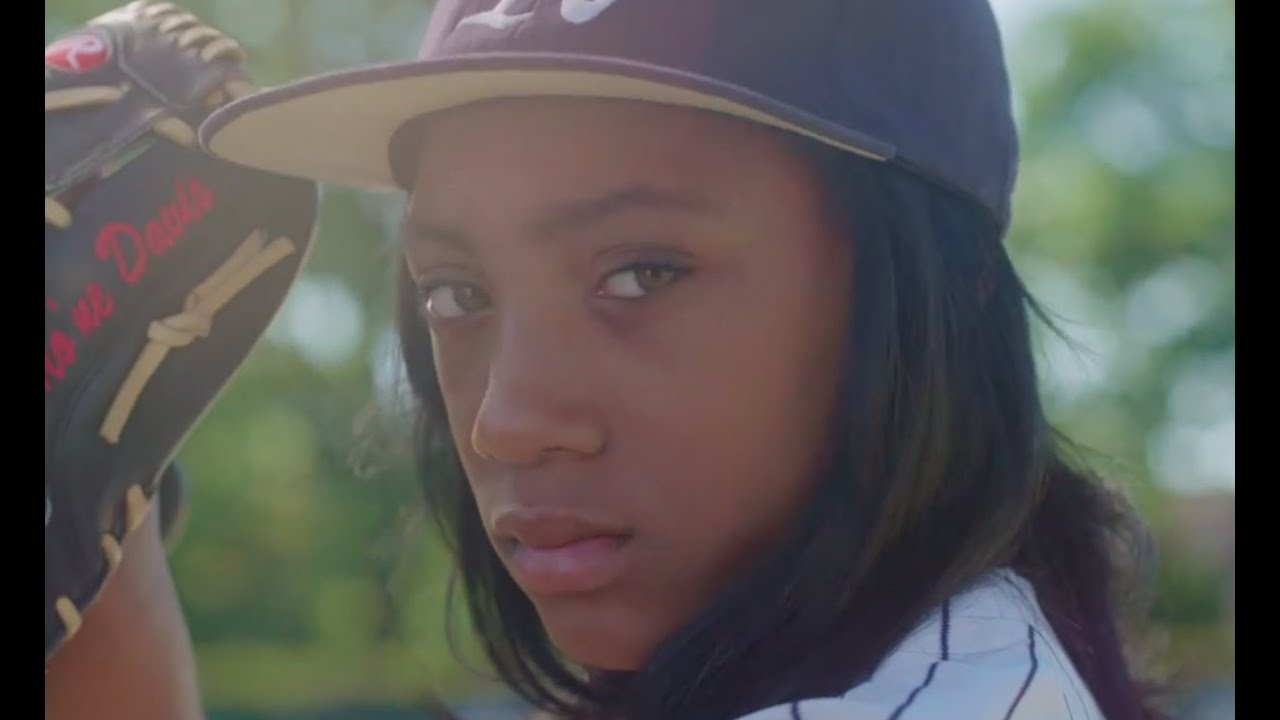 Mo Ne Davis Quot Throw Like A Girl Quot Spike Lee Funny Commercial
