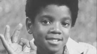 Michael Jackson singing his favorite song - Smile