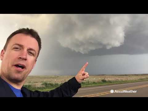 Reed Timmer: The life of a storm chaser - YouTube